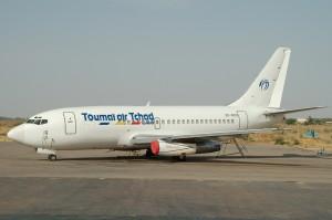 RCA: le Tchad rapatrie ses ressortissants pour assurer leur sécurité  dans ACTUALITES b737-268c-3d-red-toumai-air-tchad-the-9d-ndjamena-ndj-fttj-300x199