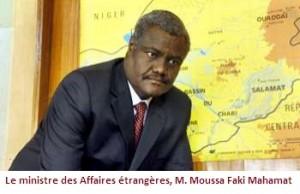 Interview de ministre des Affaires étrangères, M. Moussa Faki Mahamat à RFI  dans ACTUALITES 004042012145341000000o-300x194