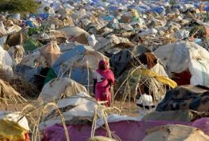Tchad : Vers l'adoption d'un projet de loi portant sur l'asile dans ACTUALITES camp-de-refugies-darfouris-au-soudan-300x203