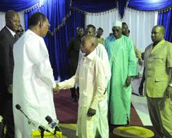 Les familles des martyrs reçues par le Chef de l'Etat dans ACTUALITES im_02_03_2013_9