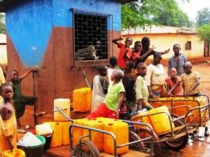 Le Tchad face au défi de l'eau potable dans ACTUALITES kiosque-eau-bangui-300x224