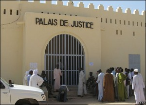 Tchad : mariage homosexuel à Abeché dans ACTUALITES 44207600_06palais_afp-300x216