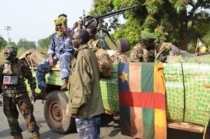 Intervention d'un contingent tchadien en RCA: Pourquoi maintenant?  dans ACTUALITES rebelles-de-seleka-sur-le-terrain-300x199