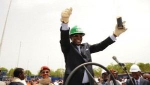 Le road-show de l'emprunt obligataire 2013-2018 du Tchad débarque à Douala  dans ACTUALITES idriss_deby_afp-300x171