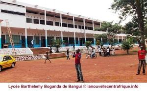 Tchad/RCA: Des tchadiens à l'afflux du baccalauréat centrafricain  dans ACTUALITES lycee-b-boganda-bangui-1-300x185