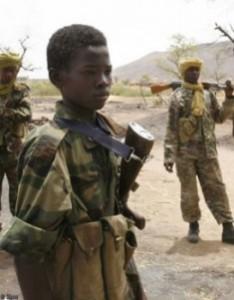 Le Tchad déterminé à ne plus voir d'enfant dans son armée dans ACTUALITES enfants_soldats_au_darfour_mode_une-234x300