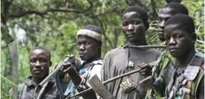 Centrafrique: Les anti-balaka, seuls contre tous dans ACTUALITES csm_anti-balaka_2ca9a890ee-300x145