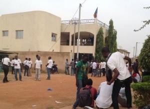 Ouagadougou: Des étudiants tchadiens en sit-in devant leur ambassade dans ACTUALITES etud-tchad-300x218