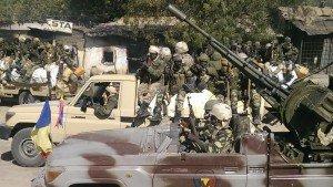 Tchad: une centaine de djihadistes tués dans ACTUALITES soldat-militaire-armee-tchadienne-patrouille-rue-gambaru-nigeria-300x169